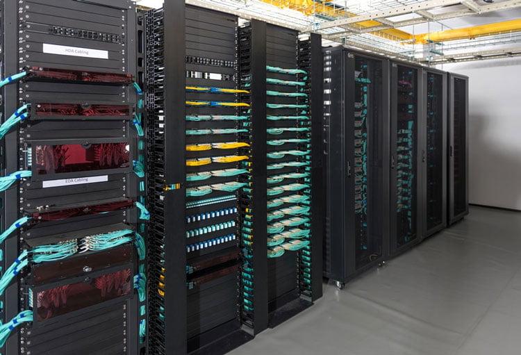 cabinet armadi rack server